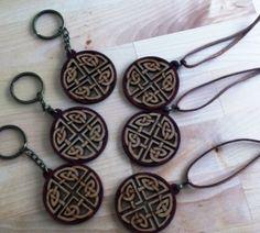 Llaveros y colgantes con el Símbolo Celta de Lazos de Amor  www.luckyzen.net