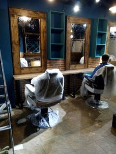 мебель для барбершопа Barber Shop Interior, Barber Shop Decor, Hair Salon Interior, Salon Interior Design, Salon Design, 420 Shop, Salon Stations, Barber Haircuts, Barbershop Design