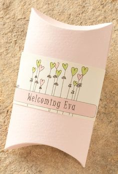 Adorable customizable baby shower favor! Without the pink.