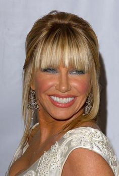 suzanne somers hair - Google Search Quirky Girl, Suzanne Somers, Blonde Haircuts, Mid Length Hair, Cute Hairstyles, Hair Lengths, Medium Hair Styles, Pretty Woman, Hair And Nails