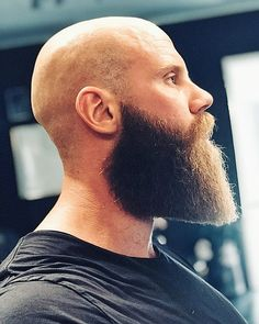If our list of men before-and-after growing a beard didn't convince you that males look way better with facial hair, this story definitely will. Bald Men With Beards, Bald With Beard, Grey Beards, Long Beards, Badass Beard, Epic Beard, Long Beard Styles, Hair And Beard Styles, Bart Tattoo