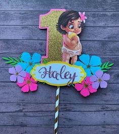 Excited to share this item from my etsy shop: Baby Moana Cake Topper Moana Party, Moana Birthday Party Theme, Moana Themed Party, 1st Birthday Girls, Birthday Party Favors, 1st Birthday Parties, Birthday Party Decorations, Hawaiian Birthday, Luau Party