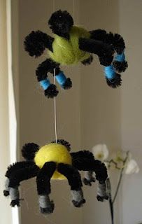 Aranhas de feltro e arame (limpa cachimbos)