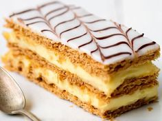 A mille-feuille or millefeuille is a piece of pastry made of three layers of puff pastry and two . New Dessert Recipe, French Dessert Recipes, Mini Desserts, Easy Desserts, Millefeuille Recipe, Breakfast Crepes, Sweet Dough, Baking Business, Pastry Cake