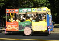 Girl Scout parade float - love it (although if I was making a float, cookies would only be part of it - people KNOW cookies; use the float to show them that cookies are means to an end!)