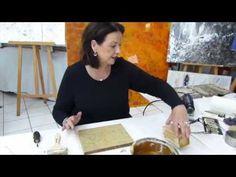 """In diesem Video zeigt Euch Monika Romer wie Ihr mit dem """"Hinterteil"""" des Maleisens tolle Moderne Effekte erzielen könnt. Diese peppt sie mit Zauberpuder und ..."""