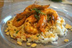 Recette facile de crevettes marinées au curry et citron vert Shrimp And Rice, Grains, Chicken, Feta, Exotic, Marinated Shrimp, Pisces, Chocolates, Curry Rice
