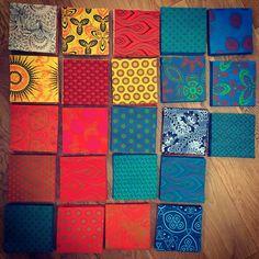 Südafrikanische ShweShwe-Stoffe African Fabric, African Dress, Shweshwe Dresses, African Fashion, Blush Pink, My Arts, Fabrics, Navy Blue, Patchwork Quilting