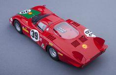 Alfa Romeo T33/2 Le Mans - 1:18 Scale Model Car