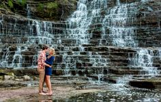 Albion falls engagement photos - fall engagement photography #albionfalls #hamilton #engagementphotos