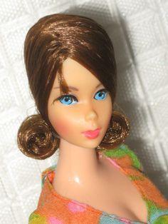 1970 Mod Barbie Doll Twist'n Turn TNT Marlo FLIP Brunette + Flower Wower #1453*