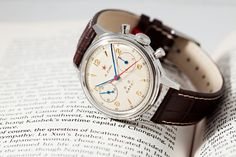 Seagull 1963 watch, 21 jewels hand-wound column wheel chronograph calibre ST-19. Re-issue of the watch issued to the Chinese Air Force by the Tianjin Watch Factory in 1963.
