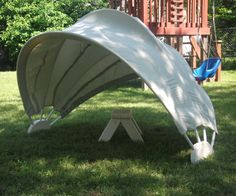 CLAMSHELL SUNSHADE