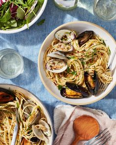 Garlicky Spaghetti with Mussels and Clams Recipe (White Wine Sauce) | Kitchn Clams Recipe White Wine, Clam Recipes, Seafood Recipes, Dinner Recipes, Pasta Recipes, Meatless Recipes, Quiche Recipes, Fish Recipes, Vegan Recipes