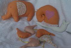 Komplet zabawek: słonik, ślimak,ptaszki.  Kliknij w zdjęcie, aby zobaczyć więcej!
