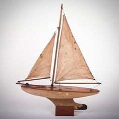 "A 1930's vintage ""Star"" MK/2 yacht with brass badge"