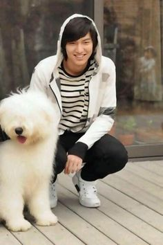 ❤ Lee Min Ho with his personal sheep dog