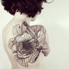 it wraps around her body Tattoo You, Arm Tattoo, Body Art Tattoos, Pretty Tattoos, Beautiful Tattoos, Abstrakt Tattoo, Shoulder Tattoos For Women, Dot Work Tattoo, Skin Art