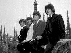 I Beatles tra le guglie del Duomo per il loro concerto a Milano