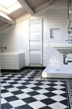 Baldosas hidráulicas en baños Tiles, Bathtub, Flooring, Bathrooms, Sd, Grande, Santa, Mosaics, House Decorations