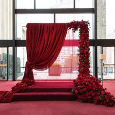 33 Lovely Valentine Wedding Ideas For Your Beautiful Moment - If you are a trul. 33 Lovely Valentine Wedding Ideas For Your Beautiful Moment – If you are a truly romantic bride Flower Wall Wedding, Red Rose Wedding, Burgundy Wedding, Wedding Colors, Maroon Wedding, Fall Wedding, Geek Wedding, Wedding Black, Floral Wedding