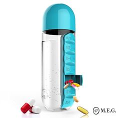 The BPA Free Water Bottle With Vitamin Organizer Box 20 oz. 7 days pill holder case gives you best storage for daily schedule. Large bottle and dispenser Pill Bottles, Plastic Bottles, Drink Bottles, Bottle Bottle, Bottle Garden, Baby Bottles, Medicine Organization, Daily Organization, Medicine Storage