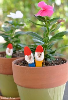 Super easy and adorable garden gnome craft for kids.