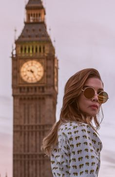 It's so much fun to play tourist in London! @caroseditorial Photo locations London Travel Blog, 2017 Photos, Photo Location, Golden Hour, Westminster, Fashion Bloggers, Big Ben, Travel Inspiration, Play