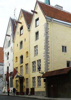 Три сестры - Art Tallinn Guide