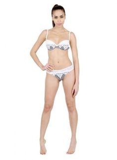 Bikini brasiliani 2014: l'Estate esalta il Lato B Bikini brasiliani 2014 Blumarine