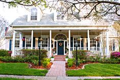 10 Ways to Create Curb Appeal - Town & Country Living