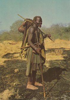 326 - Angola - Velho chefe religioso do povo Muíla