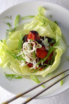 Spicy Korean BBQ Chicken, Lettuce Cups, White Seaweed Salad #BBQ #Chicken #SummerSoiree #LowCarb