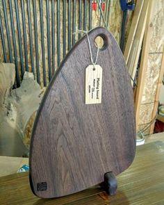 월넛 도마 원목에 대한 이미지 검색결과 Small Woodworking Projects, Small Wood Projects, Woodworking Jigs, Olive Wood Cutting Board, End Grain Cutting Board, Kitchen Board, Wooden Decor, Kitchen Interior, Wood Art