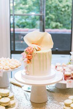 Featured Photographer: Jasmine Lee Photography; Wedding cake idea.