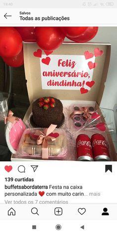 Valentine Baskets, Valentines Diy, Bff Birthday Gift, Unicorn Birthday Parties, Boyfriend Anniversary Gifts, Diy Gifts For Boyfriend, Ideas Aniversario, Flavored Lip Gloss, Romantic Anniversary