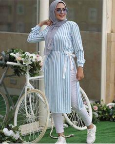 robe hijab Street hijab style in summer – Just Trendy Girls. robe hijab Street hijab style in summer – Just Trendy Girls… Modest Fashion Hijab, Modern Hijab Fashion, Hijab Fashion Inspiration, Muslim Fashion, Fashion Outfits, Hijab Fashion Summer, Dress Fashion, Modest Dresses, Modest Outfits