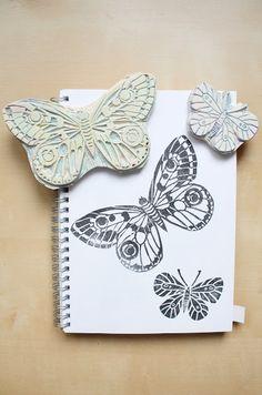 Jacaranda: Sellos de mariposas y el libro de Geninne