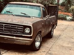 Old Dodge Trucks, Dodge Pickup, Ram Trucks, Classic Trucks, Classic Cars, Dodge Ramcharger, Sport Truck, Dodge Power Wagon, Lifted Cars