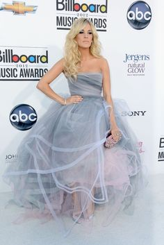 Carrie Underwood in Oscar de la Renta