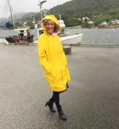 It's Raining Man. 🌧☂ It was not easy to stand still in this stormy and rainy weather! 😉 This raincoat was a test I made bef. Rainy Weather, Raincoat, Bee, Passion, Sewing, Jackets, Rain Jacket, Down Jackets, Honey Bees