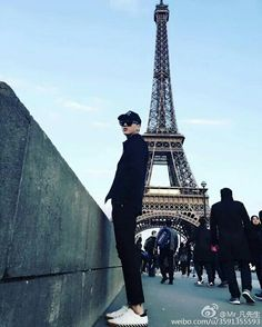 Kris in Pariiiiss, France~ This is one of these moments I'm jealous to don't be parisian