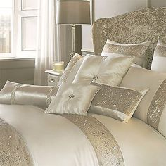 Glam Bedroom, Bedroom Sets, Bedroom Colors, Home Bedroom, Bedroom Decor, Bedroom Rustic, Master Bedroom, Cream Duvet Covers, Bed Covers