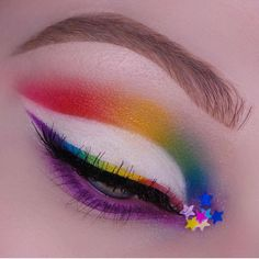 🏳️‍🌈 The amazing created this brilliant rainbow cut crease using eyeshadows! Rainbow Makeup, Colorful Eye Makeup, Blue Makeup, Smokey Eye Makeup, Eyeliner Makeup, Makeup Goals, Makeup Inspo, Makeup Art, Makeup Inspiration