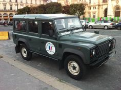 Land Rover Defender 110 Td4 Sw Se genuine factory made specifications - 2012 Paris, France