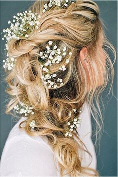 Romantic weddings, romantic wedding hair, wedding hair and makeup, bridal hair, hair Romantic Wedding Hair, Wedding Hair Flowers, Wedding Hair And Makeup, Flowers In Hair, Hair Wedding, Trendy Wedding, Wedding Ideas, Wedding Rings, Casual Wedding