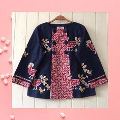 No photo description available. Blouse Batik, Batik Dress, Blouse Dress, Coat Dress, Kimono, Muslim Fashion, Hijab Fashion, Fashion Dresses, Outer Batik
