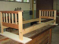 COMO CONSTRUIR UN FUTON , PASO A PASO (pág. 2) | Hacer bricolaje es facilisimo.com Futon Frame, Outdoor Furniture, Outdoor Decor, Woodworking Plans, Bench, Sofa, Home Decor, Wooden Stools, Sleeper Couch