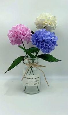 Diy Crafts Hacks, Diy Crafts For Gifts, Creative Crafts, Cool Paper Crafts, Tissue Paper Crafts, Tissue Paper Flowers, Paper Roses, Handmade Flowers, Diy Flowers