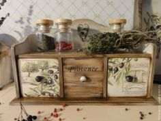 Decoupage Furniture, Decoupage Box, Decoupage Vintage, Painted Furniture, Diy Furniture, Wood Crafts, Diy And Crafts, Paper Crafts, Stencil Painting